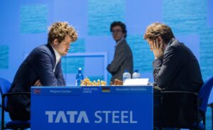 Carlsen Persists But Signs His 4th Draw