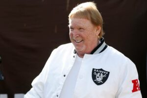 Mark Davis: Which game Mark Davis played?