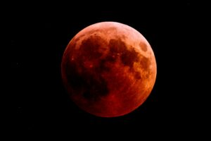 A total lunar eclipse on May 26!